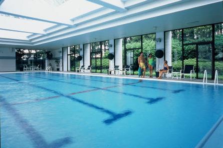 Indoor_pool
